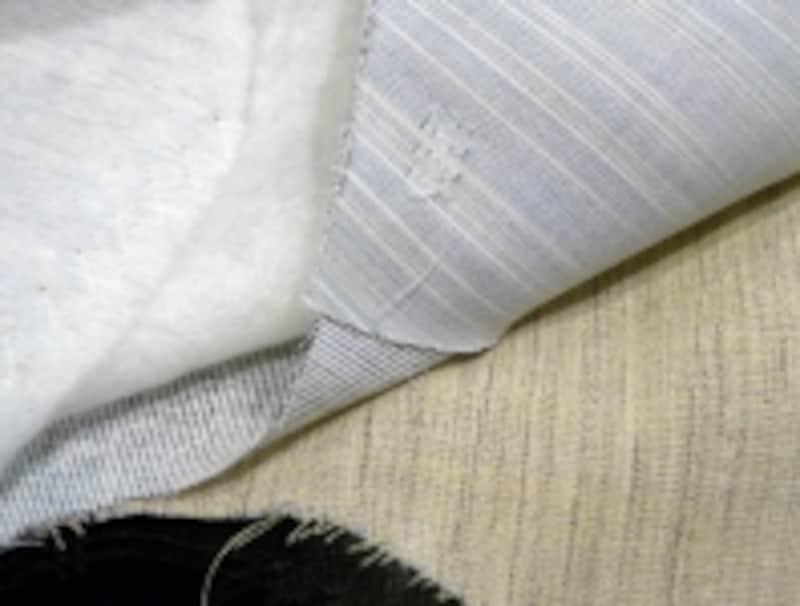 『TESSITURADINOVARA』のシルクスーツ生地:通常は胸増芯を2枚使うところを1枚に変更し、軽量化を実現