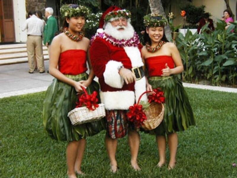サンタの登場で大人も大興奮!