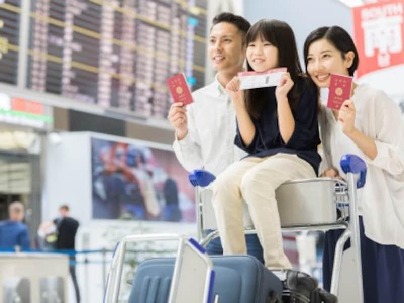 飛行機会社の国際線!子供連れ便利サービス徹底比較
