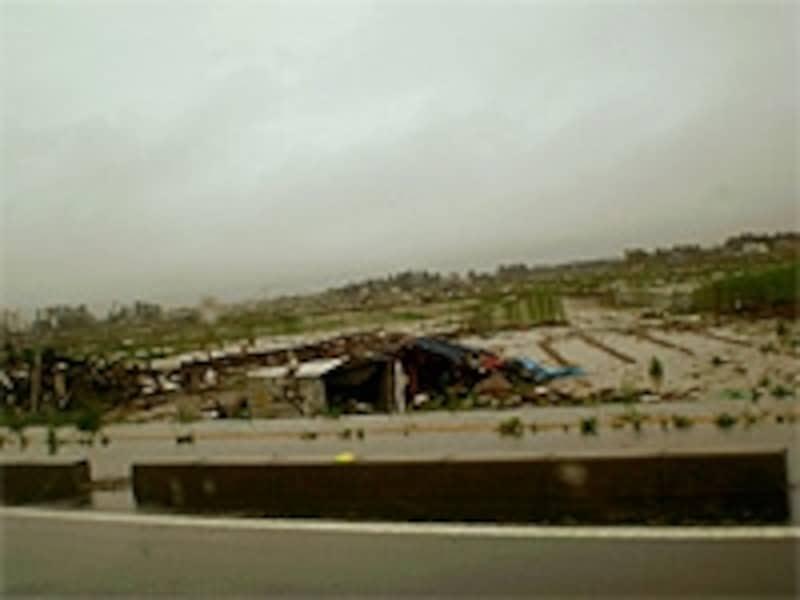 今震災では、一戸建てのみならずマンションでも被害が
