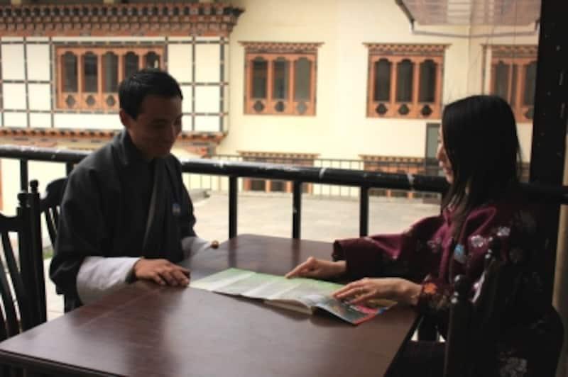 インタビュー風景undefinedブータン政府観光局オフィスにて