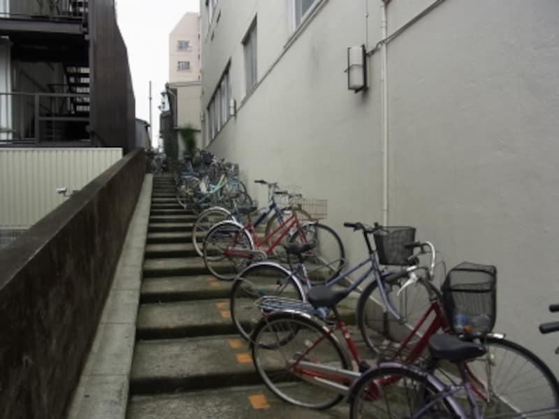 自転車置き場、空堀