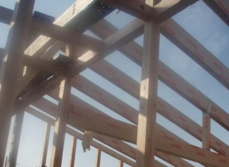 建築された年月日は確認申請書類などに記載されている。