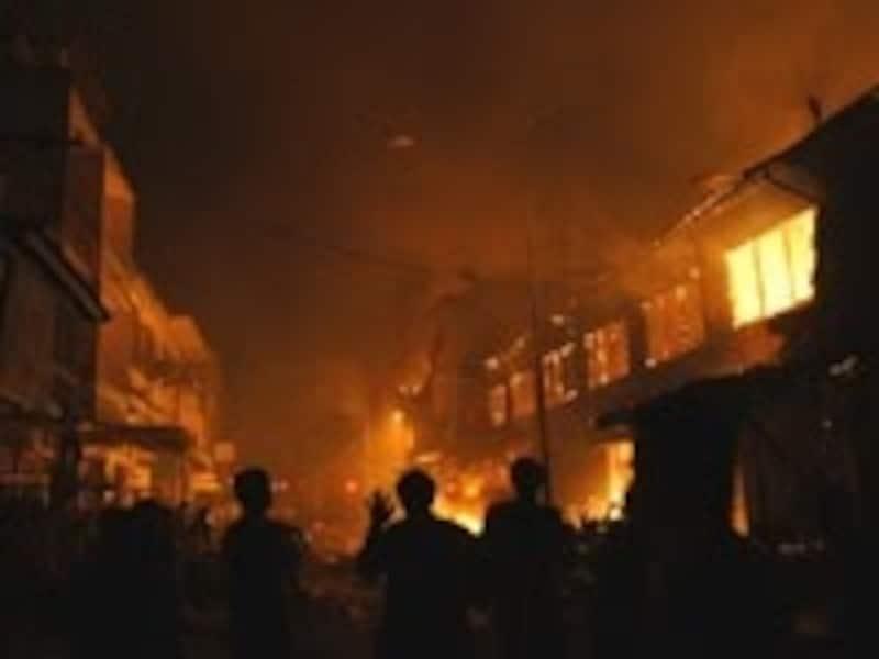 隣家の火災で類焼しても、賠償は受けられない