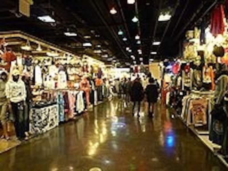 洋服を安く買いたいなら、東大門の市場やファッションビルがオススメです