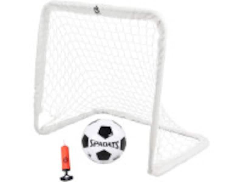 サッカーボール、サッカーゴール、空気入れがセットになっているのですぐに遊べます