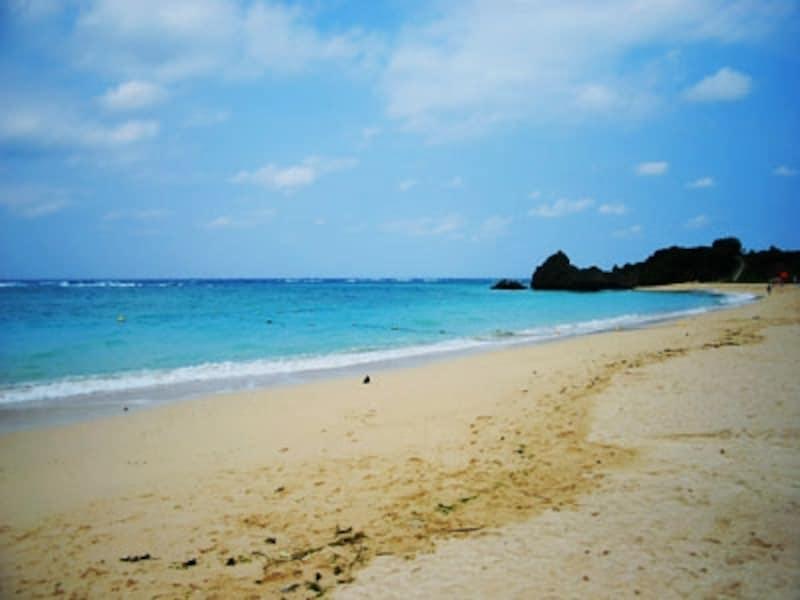 広々としたビーチでは様々なマリンアクティビティが楽しめます