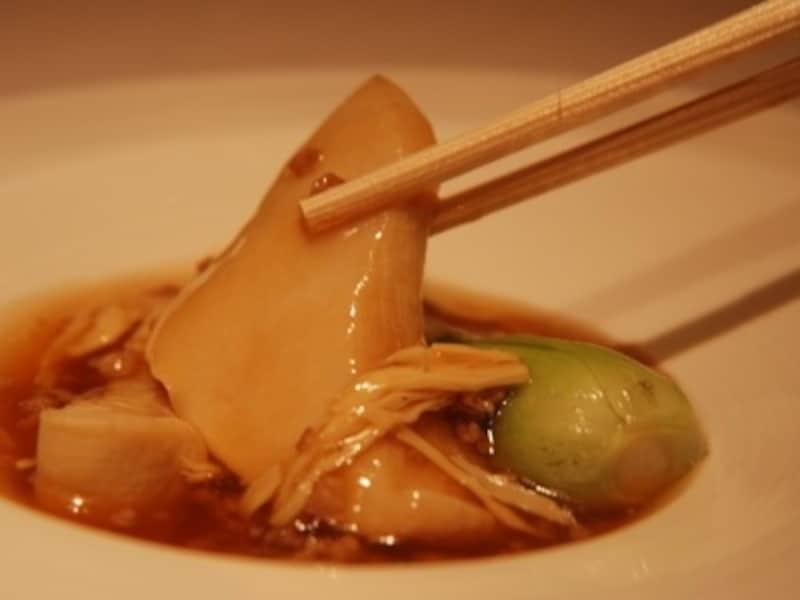 あわび茸と湯葉、豚挽肉の煮