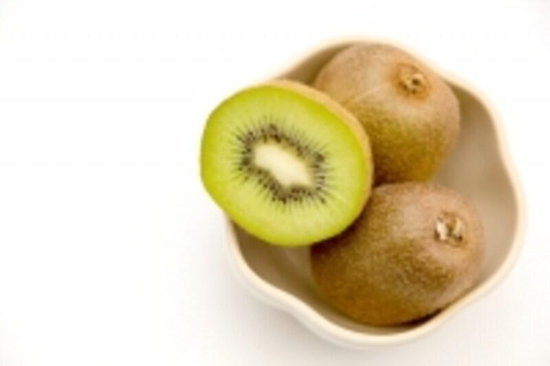 キウイフルーツは食物繊維が豊富。自然な甘みで女性にも人気が高いです