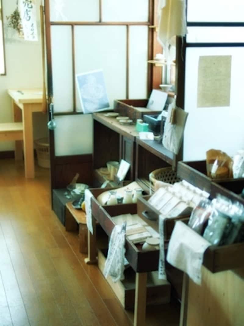 食材や雑貨の販売スペース「ちどり売店」