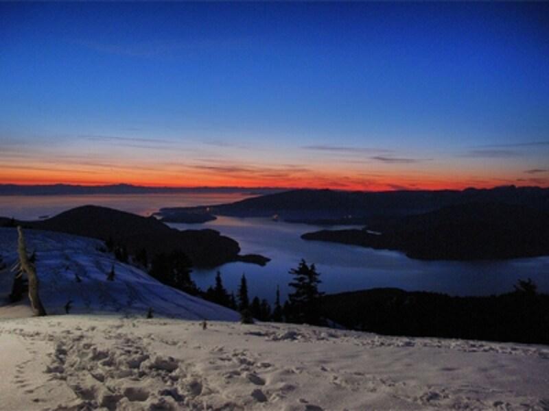 サイプレスでは夕暮れ時の景色が秀逸!(C)CypressMountainSunset/keepitsurreal