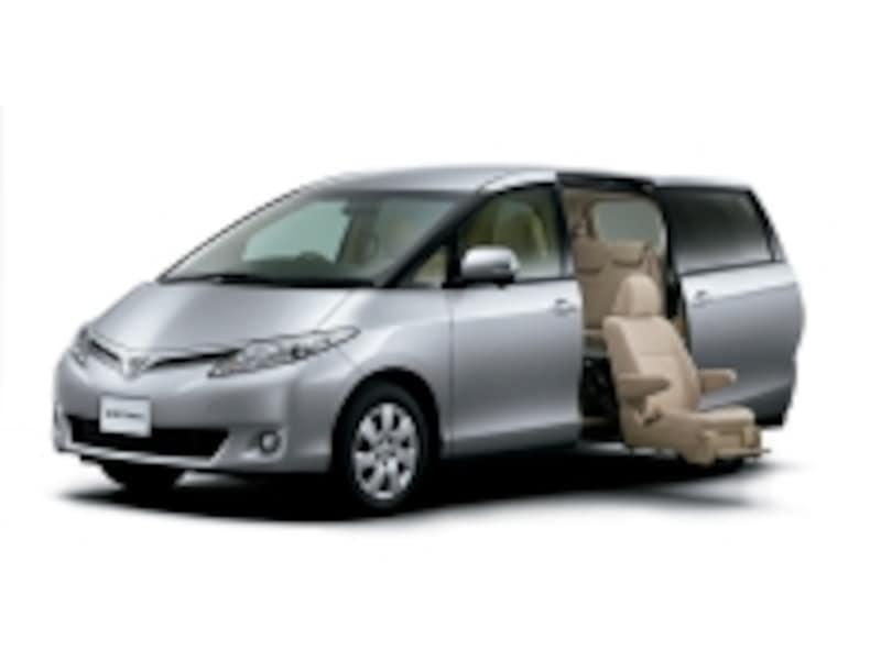 トヨタのウェルキャブのように、乗り降りサポート機能のついた車なら、三世代旅行ももっと気軽に楽しめるようになります