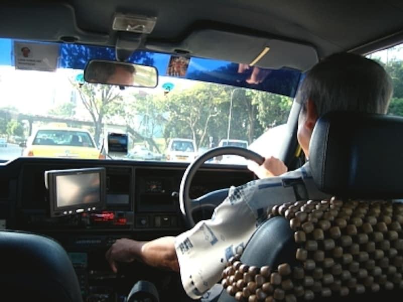 タクシーの運転手さんとシングリッシュを使って会話を楽しみましょう