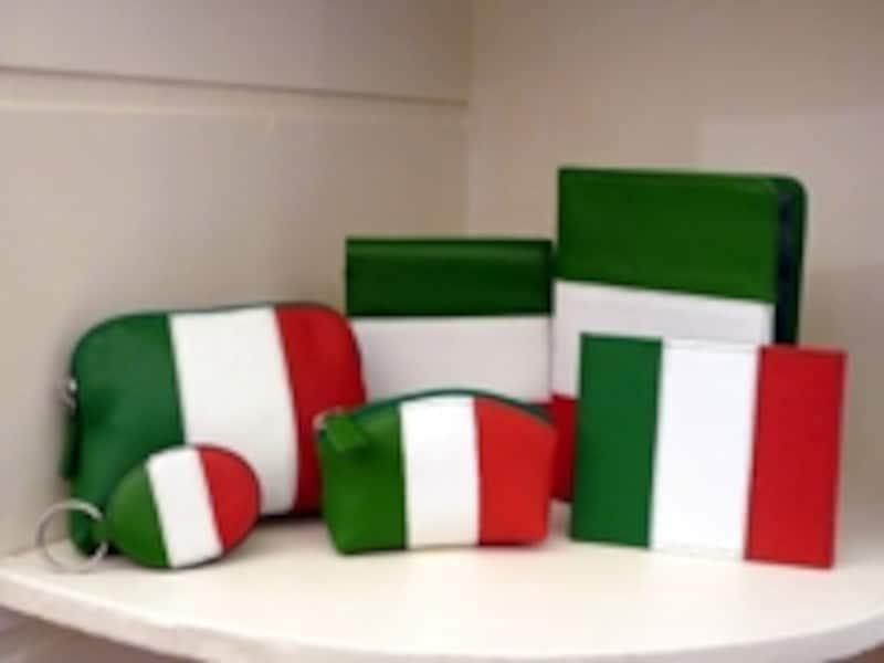 国旗シリーズの皮製品がカワイイ!