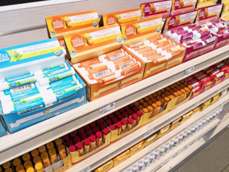 クイーン店では、レジ近くにリップクリームがずらりと並ぶ