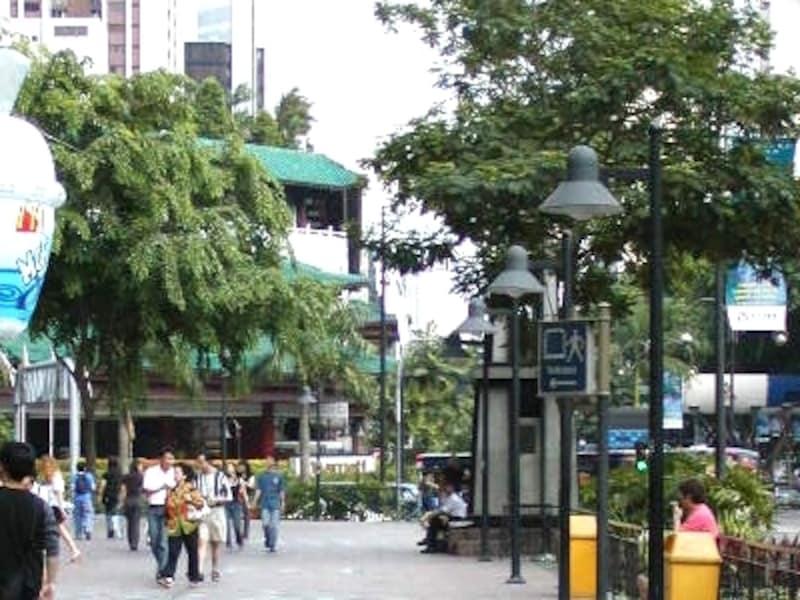 シンガポールNO'1ショッピングスポット、オーチャードロード