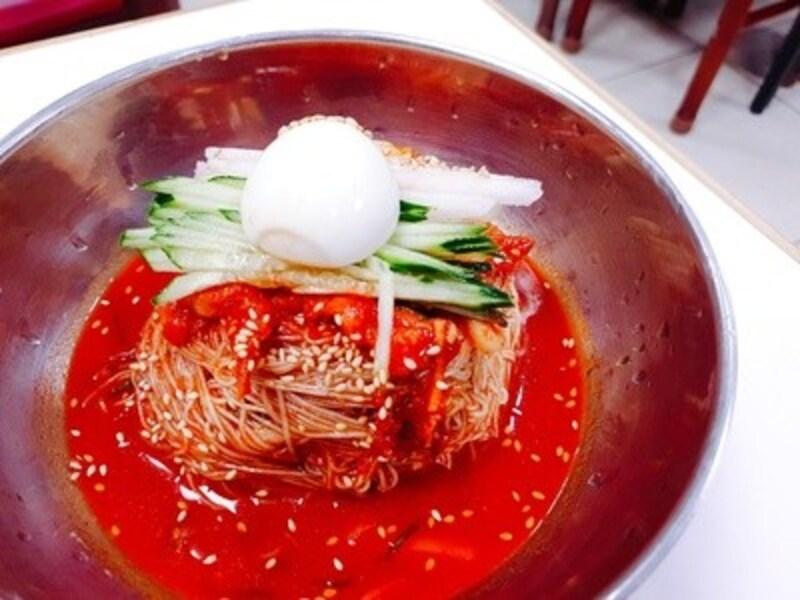 明洞咸興麺屋のビビンネンミョン