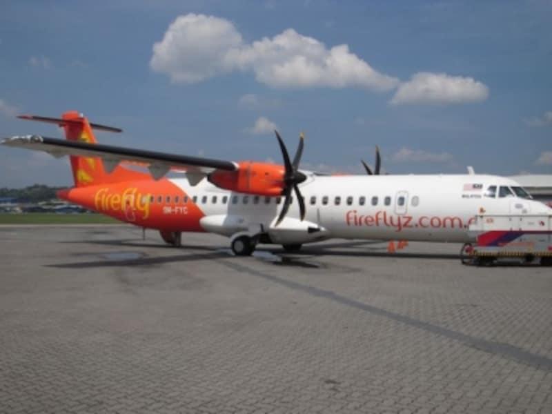 クアラルンプールのスバン空港からは、ファイアーフライというバジェットエアーを利用します