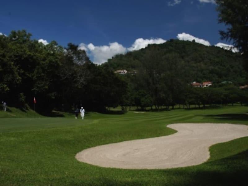 一年じゅう、青々としたコンディションの良い芝でプレーできるのもリゾートゴルフの醍醐味undefined(c)マレーシア政府観光局