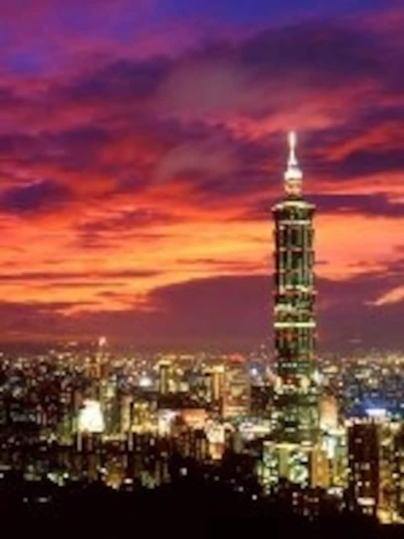 台北101展望台には日本語音声ガイド無料貸し出しサービスがあります©台湾観光協会