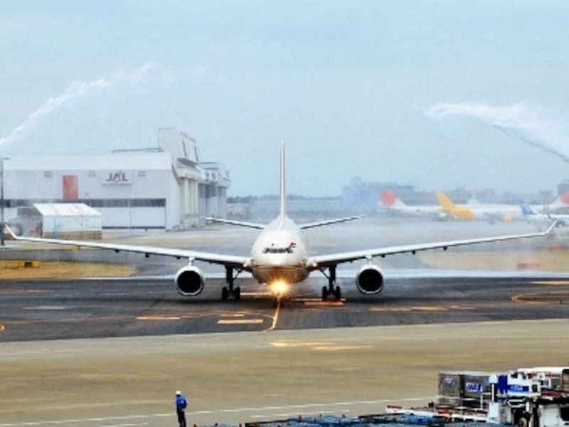 2010年3月28日成田国際空港で行われた就航セレモニー CopyrightOfKyodoPR
