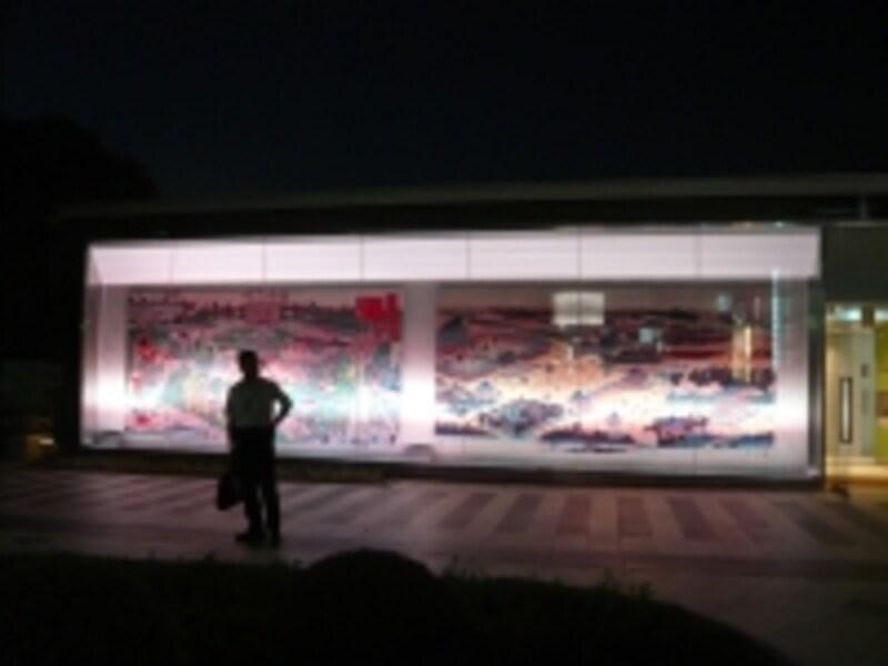屋上の浮世絵のライトアップ