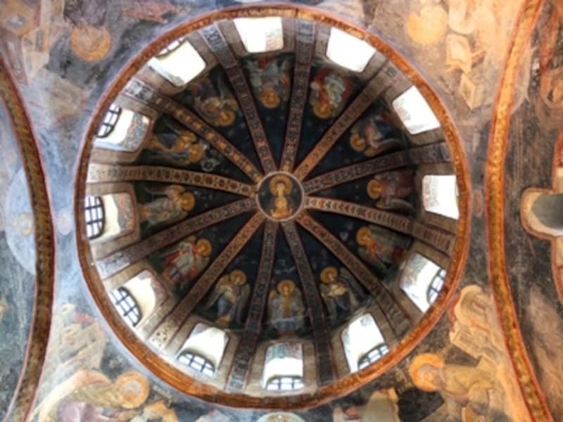 カーリエ博物館、内拝廊ドーム