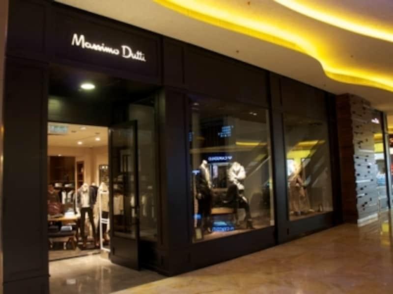 日本未上陸のZARA系ブランド「MassimoDutti(マッシモ・ドゥッティ)」の大型ショップ