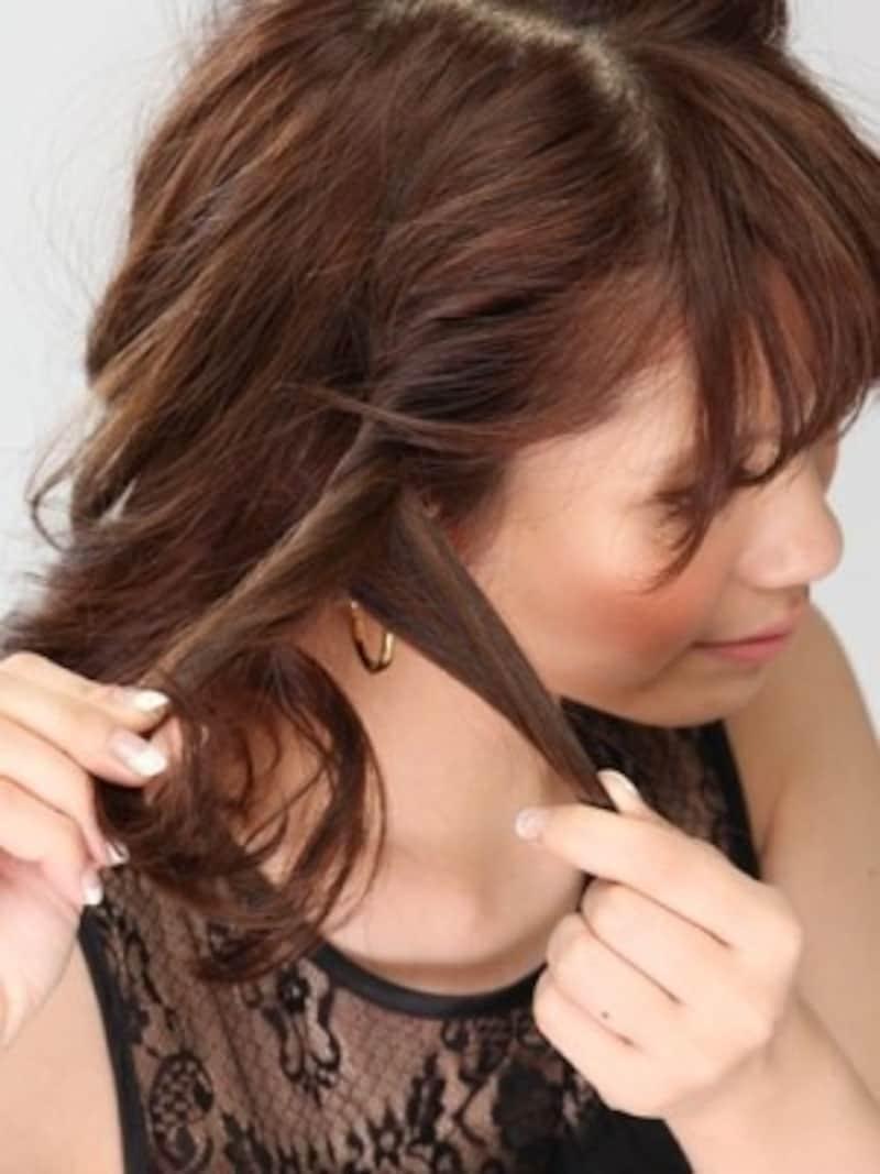 ねじりミディアムヘアアレンジ方法2