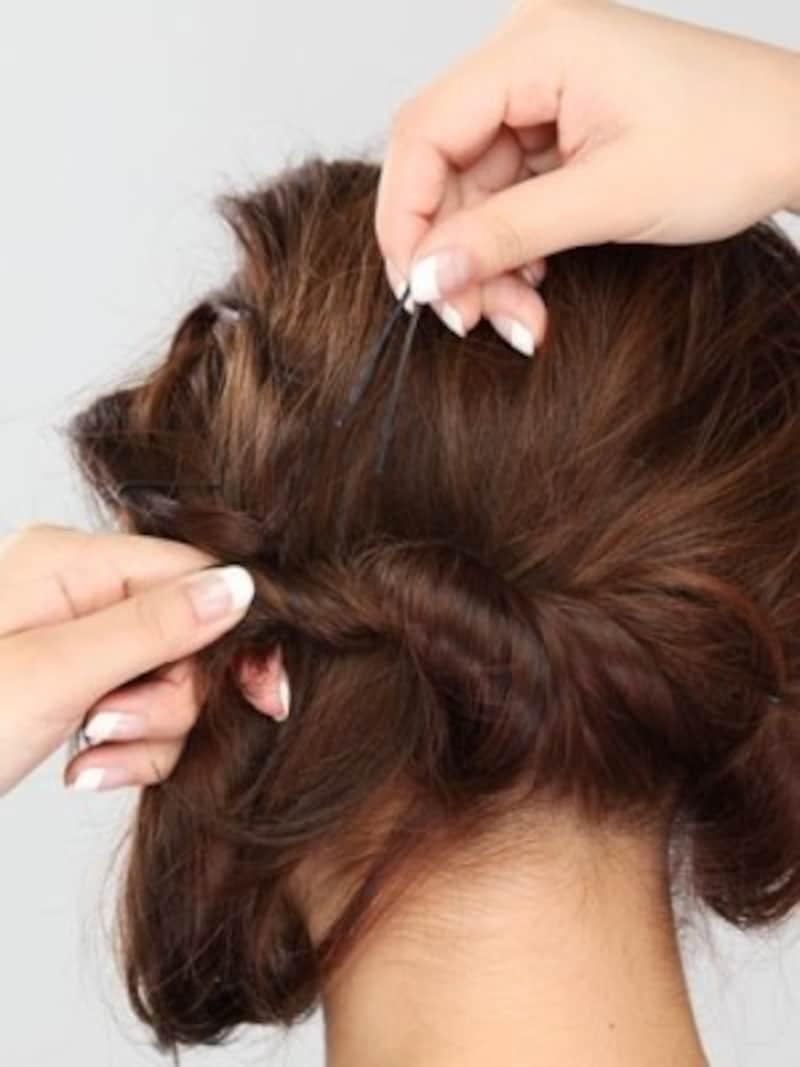 ねじりミディアムヘアアレンジ方法3