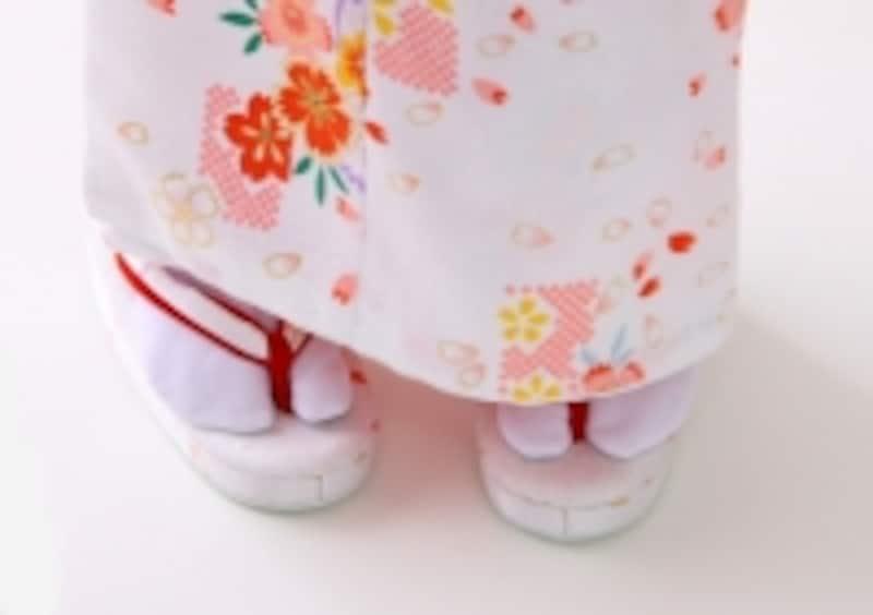 慣れない草履はギブアップの可能性大!歩きやすい靴も用意して