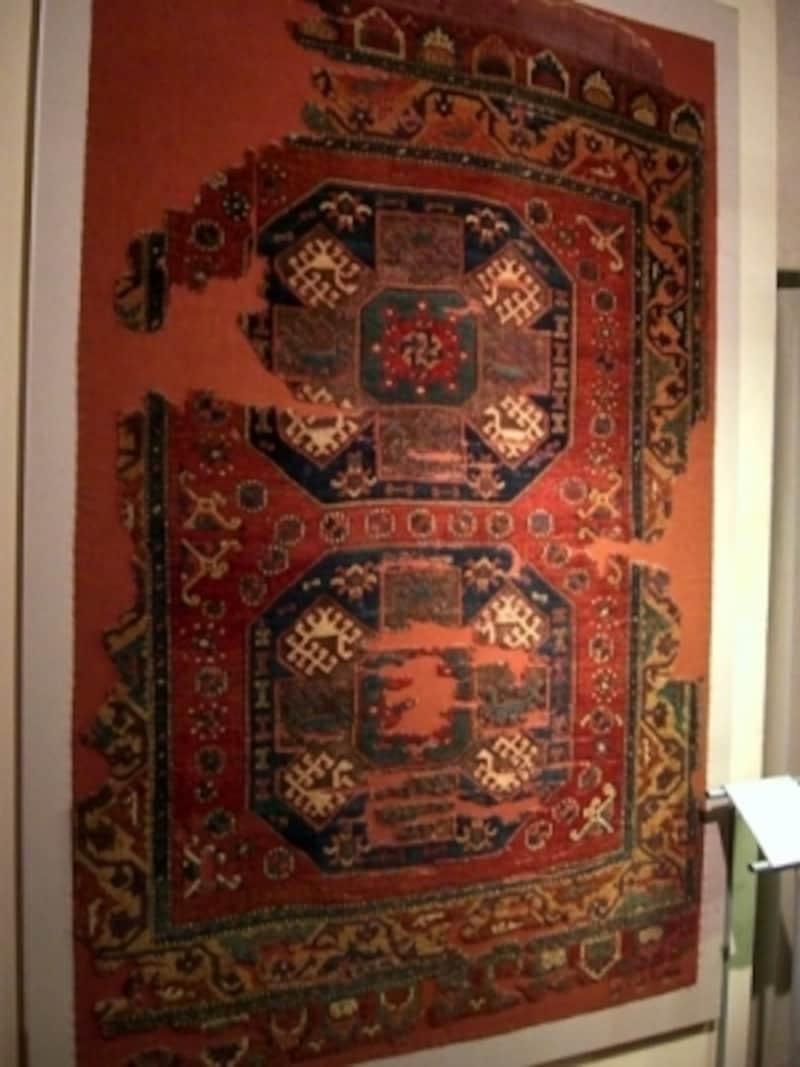 トルコ・イスラム美術博物館には古い絨毯コレクションが充実しており、別名絨毯博物館といわれるほど