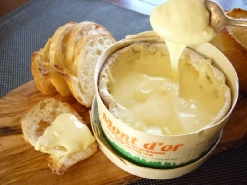 季節限定のチーズ「モンドール」