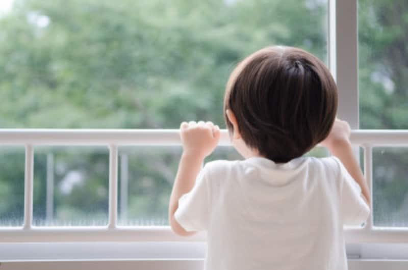 児童虐待の背景に潜むリスク要因とは