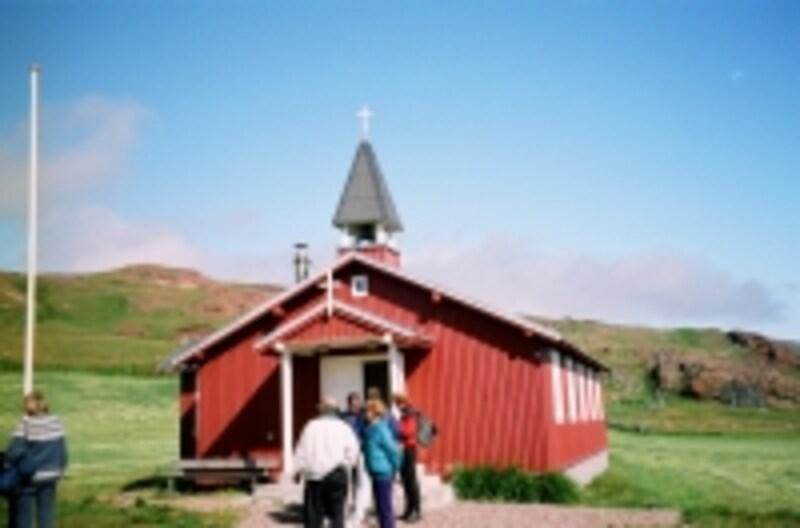 村の小さな教会