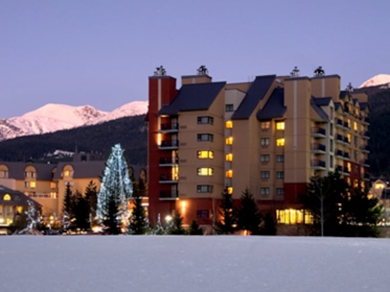 そのロケーションの良さから、スキー、スノボのツアーには欠かせないホテル(C)HiltonWhisterResort&Spa