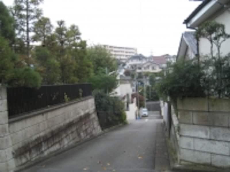 坂のある住宅街
