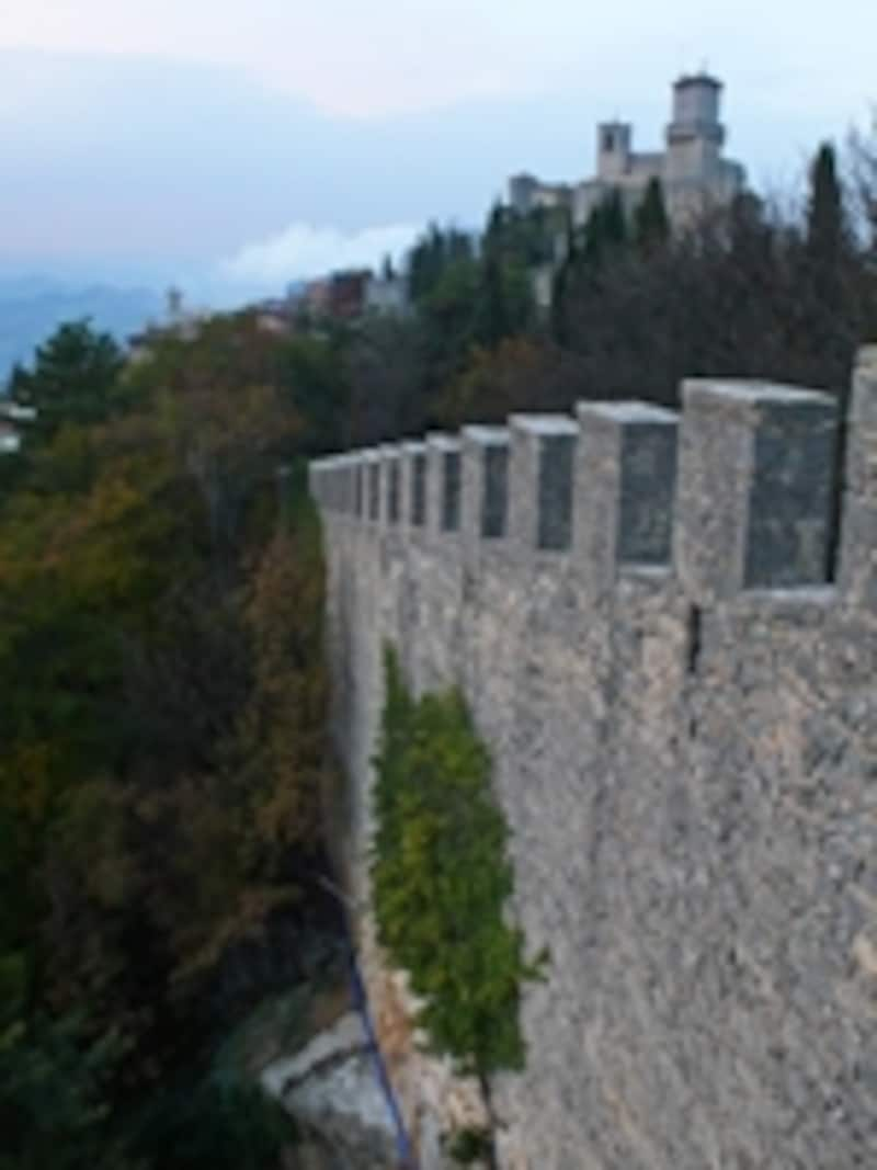城壁とグアイダ城砦