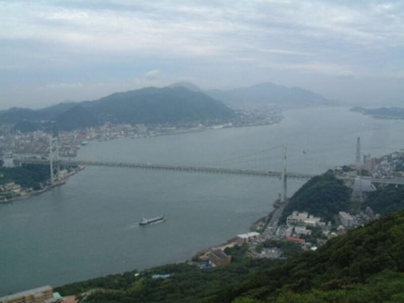 火の山公園展望台からの眺め(1)/関門海峡と関門橋、壇ノ浦古戦場