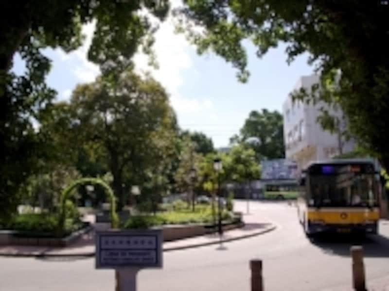 コロアンビレッジはコロアン島の交通の要衝