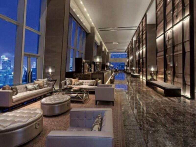 ロビーは24階。全面ガラス張りになっており、都心ホテルならではのシティビューを楽しむ事が出来ます