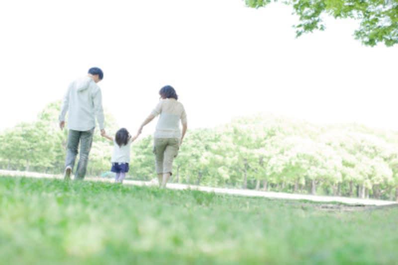 親の背中を見て育つ子供たち…親が心がけることとは