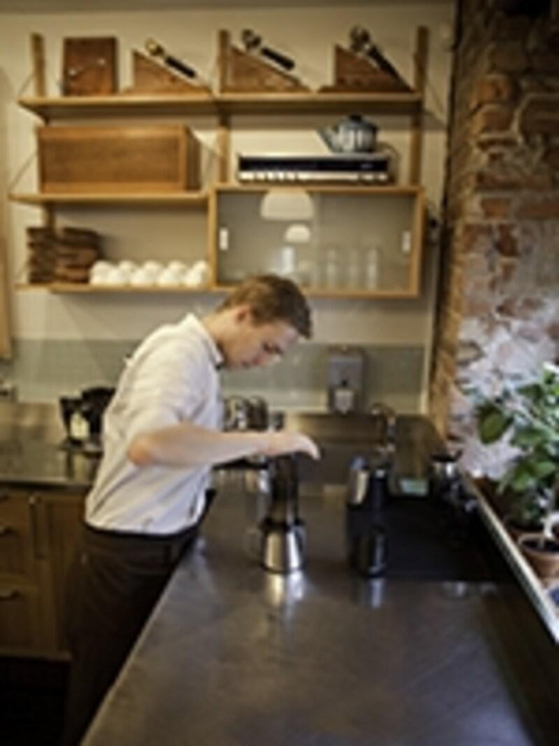 カフェ「ティム・ウェンデルボー」で味わうエアロプレス