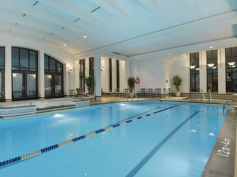 競泳用だけではなく、子供用プールも完備(C)FairmontHotelsandResorts