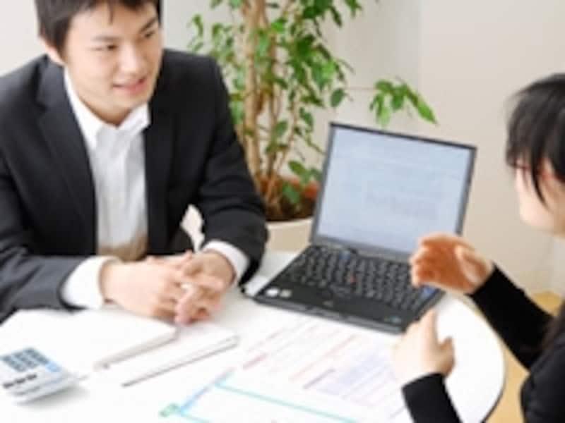 保険ショップは対面による加入ルートの1つ
