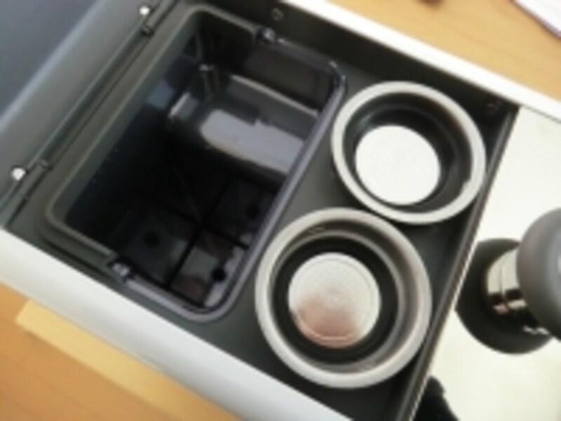 1杯取りフィルター、2杯取りフィルターは本体に収納できるので、アクセサリー類がかさ張らない