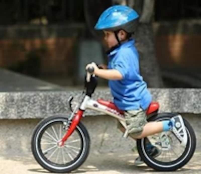 ペダル部分を外せば、この通りランニングバイクに!