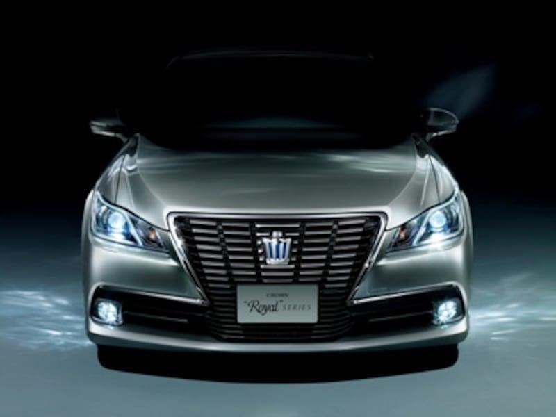 HybridロイヤルサルーンG(プレシャスシルバー)〈オプション装着車〉