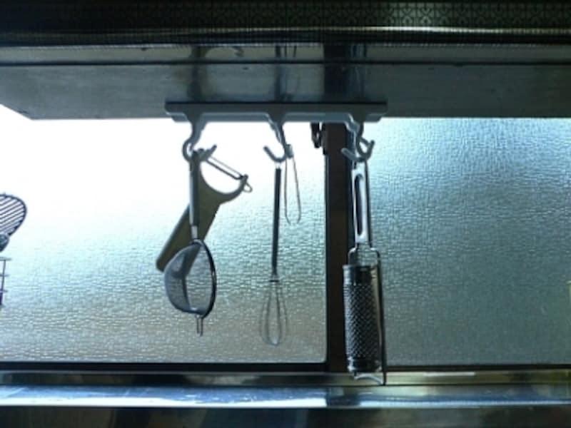 キッチングッズを吊るして収納undefined