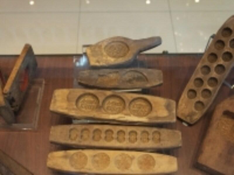 土産博物館で展示されるアーモンドクッキーの木型